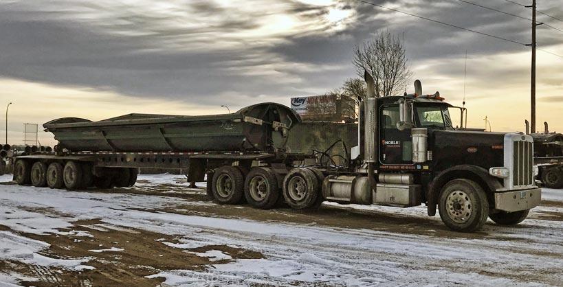 Side-dump trailer
